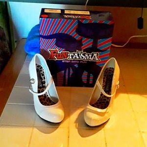 White funtasma heels size 8
